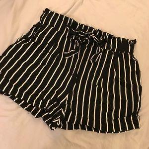 Pants - STRIPED SHORTS